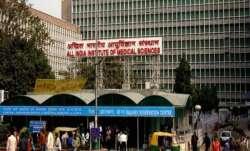 दिल्ली AIIMS का डॉक्टर और गर्भवती पत्नी कोरोना पॉजिटिव, पिछले दिनों गए थे फेयरवेल पार्टी में- India TV Paisa
