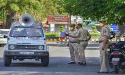 Delhi Coronavirus Lockdown, Bengali market, Delhi Police- India TV Paisa