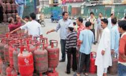 LPG Price cut- India TV Paisa