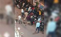 another policeman attacked in Mumbai, Home minister Deshmukh warns of stern action - India TV Paisa