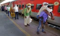 उत्तर प्रदेश: 1337 श्रमिक स्पेशल ट्रेनों से अब तक 18 लाख प्रवासी पहुंचे- India TV Paisa