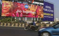 MUBADALA TO INVEST 9,093.60 CRORE rupees IN JIO PLATFORMS - India TV Paisa