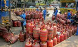Non-subsidised LPG cylinder price hiked from today.- India TV Paisa
