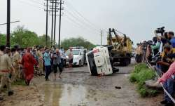 Vikas Dubey aides were following police from ujjain to kanpur । Vikas Dubey Case: विकास दुबे के गुर्- India TV Paisa