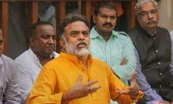 Congress leader Sanjay Nirupam on forcibly quarantine of IPS Vinay Tiwari- India TV Paisa