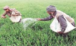 After PM Kisan Govt panel suggests cash fertiliser subsidy of Rs 5,000 per year per farmer- India TV Paisa