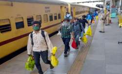 97 Migrant workers Died On board Shramik special Trains During COVID-19 Lockdown says Piyush Goyal i- India TV Paisa
