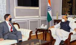 Defence Minister Rajnath Singh holds talks with his US counterpart- India TV Paisa