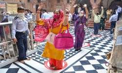 Vrindavan: Devotees, adhering to social distancing...- India TV Paisa