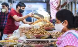 <p>New Delhi: Dry...- India TV Paisa