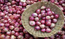 Wholesale onion price at Lasalgaon rose to Rs 7100...- India TV Paisa