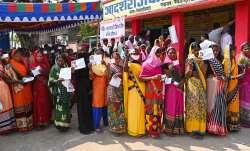 1 बजे तक 33% से ज्यादा वोटिंग, जानिए- किस विधानसभा सीट में कितने वोट पड़े- India TV Paisa