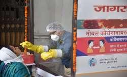 Coronavirus cases in delhi breaks all previous records । Coronavirus: क्या दिल्ली में नहीं संभल रहे - India TV Paisa