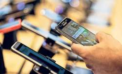 Rs 1.5 crore worth phones sold every minute during festive sale- India TV Paisa