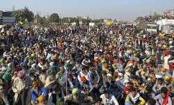 दिल्ली बॉर्डर पर किसानों ने जमाया डेरा, सिंघू बॉर्डर पर लगा सात किलोमीटर लंबा जाम - India TV Paisa