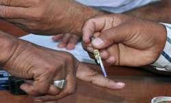 जम्मू-कश्मीर DDC चुनाव: पहले चरण की 43 सीटों पर मतदान जारी- India TV Paisa