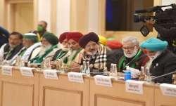 सरकार ने कृषि कानूनों को डेढ़ साल तक रोकने का प्रस्ताव दिया, किसान बोले- कल करेंगे विचार- India TV Paisa