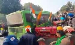 DTC Bus- India TV Paisa