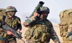 Indian Army kills 3 terrorist in Shopian Kashmir कश्मीर: शोपियां में सुरक्षाबलों के साथ मुठभेड़ में - India TV Paisa