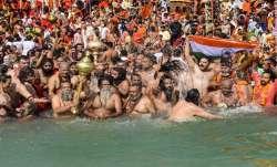 हरिद्वार कुंभ मेला 2021: निरंजनी अखाड़ा के सचिव रविंद्र पुरी हुए कोरोना संक्रमित- India TV Paisa