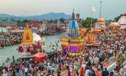 PM Narendra modi appeals to saints to keep Kumbh symbolic Corona: PM ने की अवधेशानंद गिरी से बात, सं- India TV Paisa