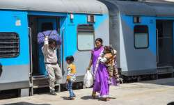 Fine on not wearing mask in trains and railway stations रेलवे स्टेशन और ट्रेन में मास्क न लगाना पड़े- India TV Paisa
