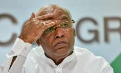 Mallikarjun Kharge urges PM to convene all-party meeting to collectively tackle COVID- India TV Paisa