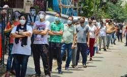 सोमवार से देशभर में 18 साल से अधिक आयु के लोगों को कोरोना वैक्सीन मुफ्त में लगेगी - India TV Paisa