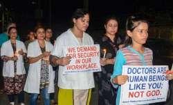डॉक्टरों पर हमले को लेकर केंद्र सख्त- India TV Paisa
