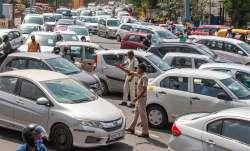 कार या बाइक...- India TV Paisa