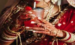 Good news Gold slips by Rs 31 silver tumbles Rs 372 today 3 august citywise rate- India TV Paisa