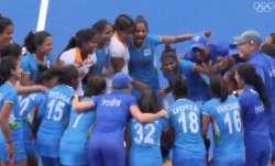 VIDEO: संघर्षों से भरी है सेमीफाइनल में पहुंची भारतीय महिला हॉकी टीम के खिलाड़ियों की कहानी- India TV Paisa