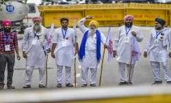 LIVE: कृषि कानूनों के...- India TV Paisa