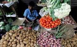 कृषि, ग्रामीण श्रमिकों के लिए खुदरा मुद्रास्फीति अगस्त में मामूली घटी- India TV Paisa