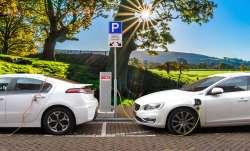 Expensive petrol diesel increased the popularity of EV, sales increasing despite parts shortage, shi- India TV Paisa