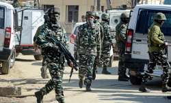 Additional security forces deployed, bunkers set up in Srinagar to check militant attacks- India TV Paisa