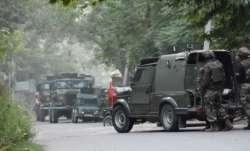 पुलवामा के पंपोर में एनकाउंटर जारी, सुरक्षाबलों ने लश्कर कमांडर समेत दो आतंकियों को घेरा- India TV Paisa