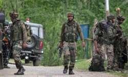 कश्मीर मुठभेड़: पूछताछ के लिए 3 लोग हिरासत में, तलाश अभियान जारी - India TV Paisa