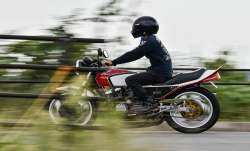 MoRTH proposes 40 kmph speed limit for motorcycles with child passenger- India TV Paisa