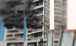 VIDEO: मुम्बई के परेल इलाके की 60 मंजिला इमारत में लगी आग, जान बचाने के लिए कूदा शख्स- India TV Paisa