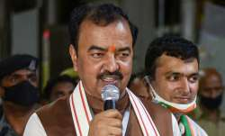 UP: केशव मौर्य ने प्रियंका गांधी का उड़ाया मजाक, कांग्रेस, सपा, बसपा और AIMIM पर साधा निशाना- India TV Paisa
