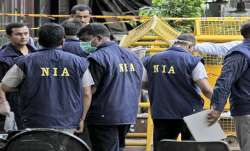 जम्मू-कश्मीर: NIA ने कई स्थानों पर की छापेमारी, आतंकी गतिविधियों को अंजाम देने की साजिश - India TV Paisa