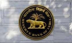 RBI ने SBI पर 1 करोड़ और Standard Chartered पर 1.95 करोड़ रुपए का जुर्माना ठोका- India TV Paisa