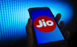 Reliance Jio gains 6.49 lakh mobile users in Aug Airtel adds 1.38 lakh- India TV Paisa