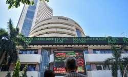 सेंसेक्स की शीर्ष 10 में से 5 कंपनियों का बाजार पूंजीकरण 1.42 लाख करोड़ रुपए घटा- India TV Paisa
