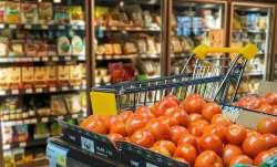 unseasonal rains dampein festivities Retail tomato prices skyrocket up to Rs 100 per kg in metros- India TV Paisa