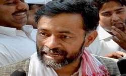 Samyukta Kisan Morcha suspends Yogendra Yadav for one month- India TV Paisa
