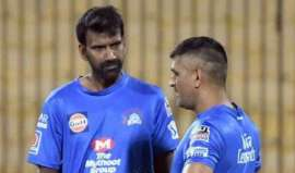 Mike Hussey and Laxmipathy Balaji were taken to Chennai in an air ambulance- India TV Hindi