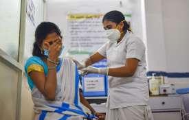 वैक्सीनेशन में...- India TV Hindi