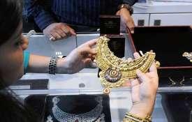 Gold price big fall today 26 April check 10 gram rate list- India TV Hindi